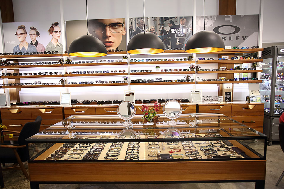 009-Singapore-Eyewear-Sunglasses-shop