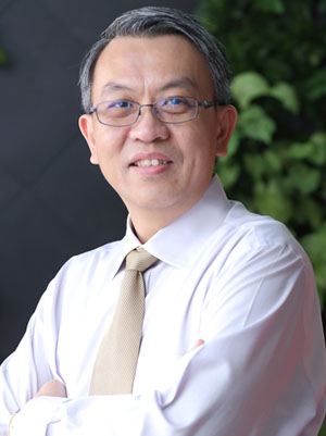 Alan Loh, Singapore Optometrist, FIrst Eyewear Centre