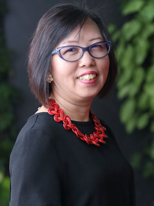 Maree Goh, Singapore Optician, FIrst Eyewear Centre